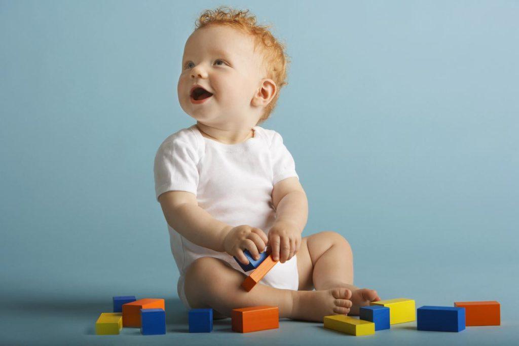 Развивающие игры для малышей в 10-12 месяцев